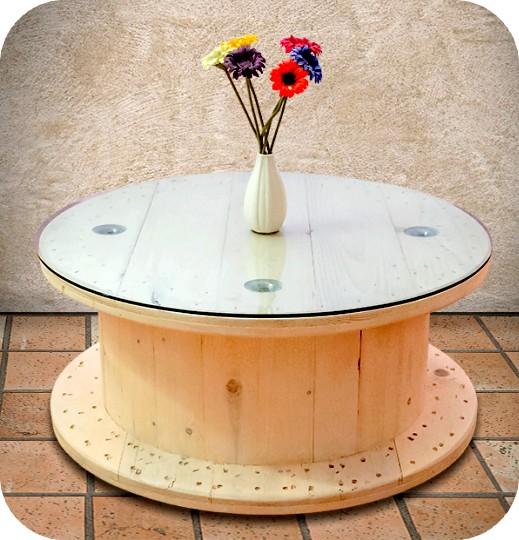 Tavolo Con Bobina In Legno.Tavolini Bassi Attesa E Vetrine Con Bobine Avvolgi Cavi Enel