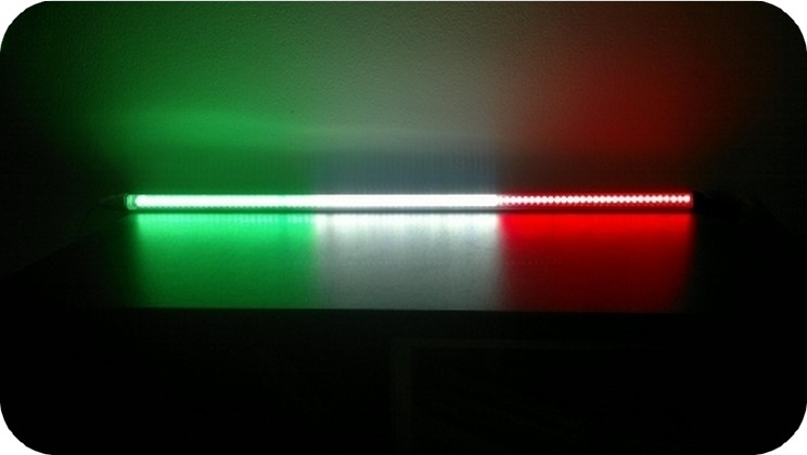Prezzi bandiere a luci led nazionali italia francia spagna for Luci led prezzi