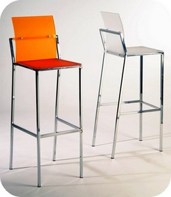 Sgabelli gambe design alti bar pub ticino pavia lombardia for Sgabelli e tavoli alti per bar