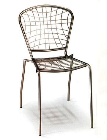 Sedie impilabili per esterno in metallo for Sedie e tavoli per esterno