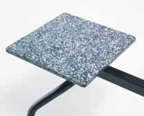 sedute panche d'attesa sala d'aspetto con tavolino in marmo