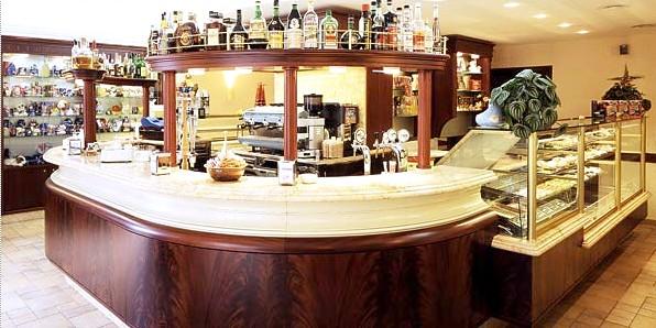 Arredamento classico per bar arredamento classico per bar for Arredamento classico roma