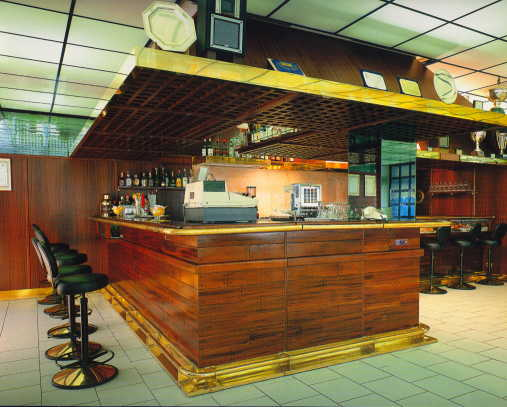 prezzi arredamenti bar amazing arredamento esterno bar