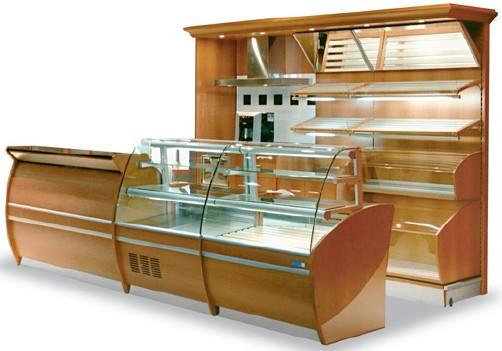 banco vendita panetteria e retro banco con madie e piani inclinati