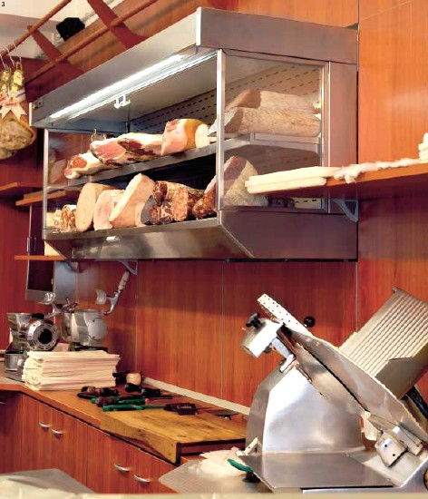 Scaffalature negozi salumeria latticini barre appendi salumi for Arredamento per salumeria