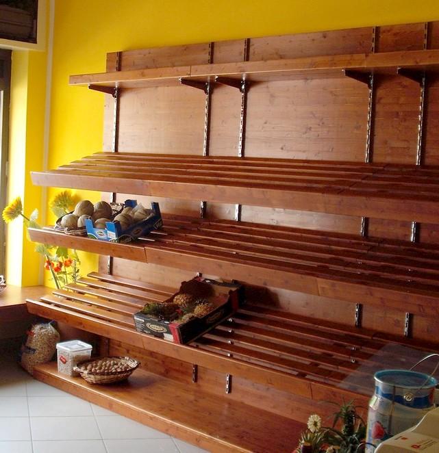 Arredi negozi frutta verdura in legno serie rustica for Arredamento ortofrutta in legno
