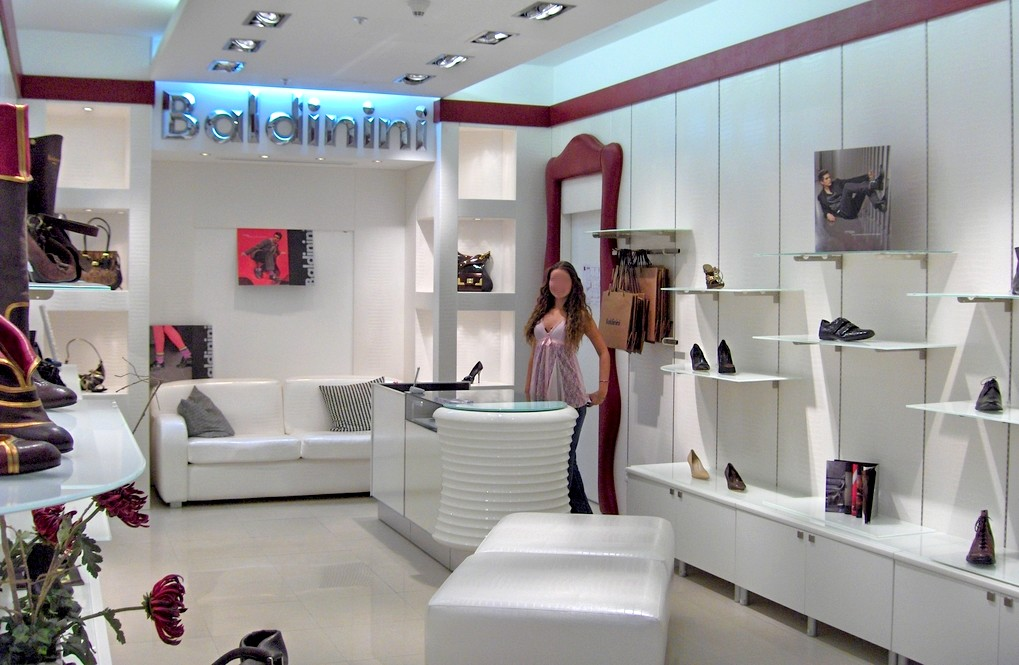 Arredo negozi pelletteria calzature arredamento mensoloni for Negozi design