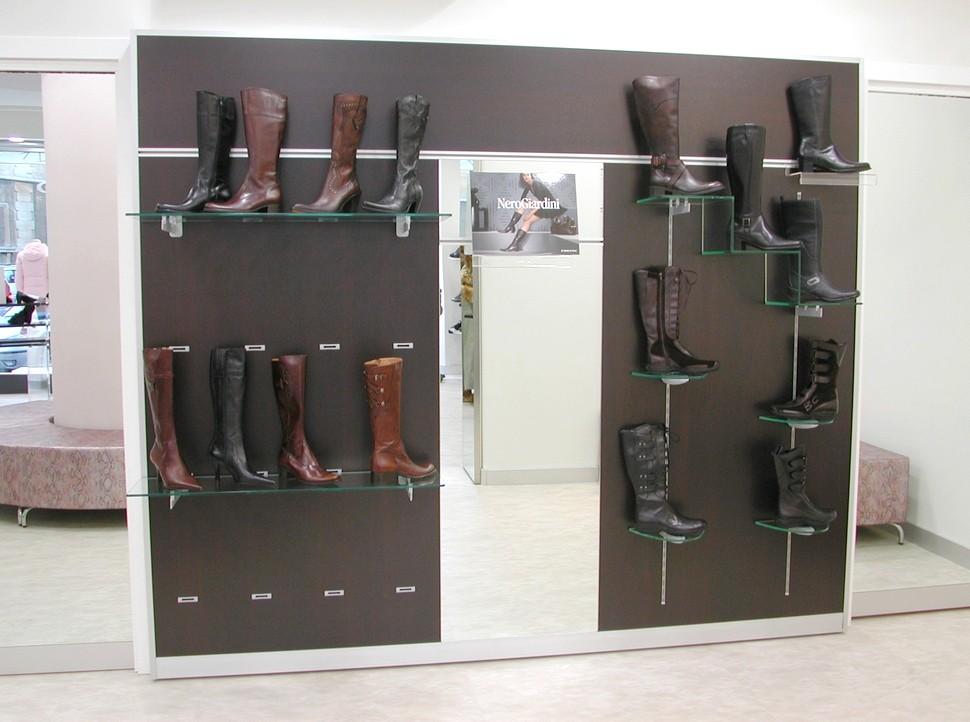 Arredo negozi pelletteria calzature arredamento mensoloni