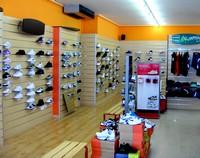 Arredamento negozio pannelli dogati doghe arredamenti negozi for Negozi arredamento pesaro