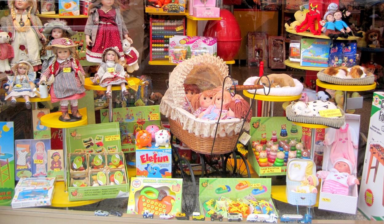 Arredamento negozi in kit immagini ispirazione sul for Negozi arredamento pavia