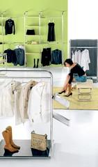 Arredamento negozi casalinghi articoli regalo canton ticino for Arredamento regalo