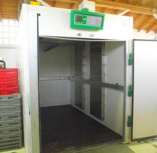 Celle frigo usate per frutta terminali antivento per for Subito it stufe a pellet usate