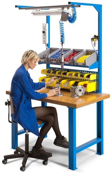 Tavolo Da Lavoro Plastica.Banco Lavoro Piano Legno Multistrato Vaschette Illuminazione