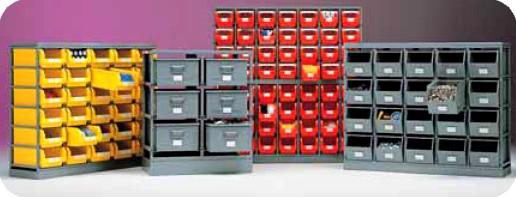 Scaffali per contenitori plastica e metallo sovrapponibili for Contenitori per esterni in plastica
