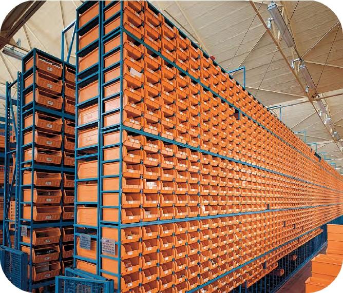 Scaffali per contenitori plastica e metallo sovrapponibili for Contenitori in pvc per esterni