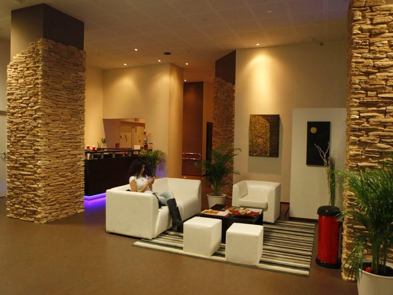 Arredamento per palestre idee di design per la casa for Arredamento spa e centri benessere