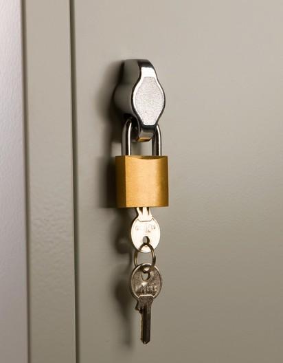 armadi spogliatoi tettuccio serrature moneta zoccolo chiavi